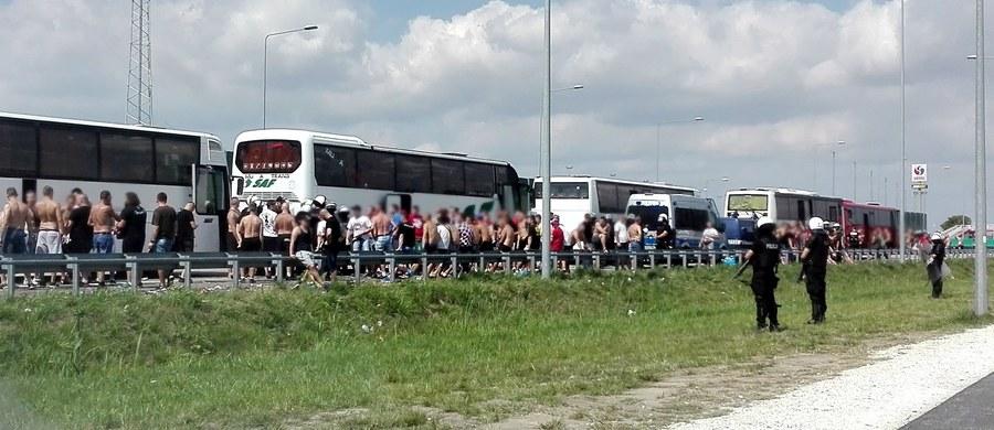 Zastępca łódzkiego komendanta wojewódzkiego policji ds. prewencji insp. Dariusz Walichnowski został odwołany ze stanowiska. Ta decyzja ma związek z kibolską ustawką na autostradzie A1, do której doszło kilka dni temu.