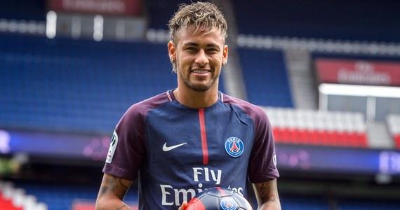 Brazylijczyk Neymar, najdroższy piłkarz w historii, został powołany na mecze eliminacji mistrzostw świata z Ekwadorem i Kolumbią. Będą to jego pierwsze występy w reprezentacji od czasu gdy został zawodnikiem Paris Saint-Germain.