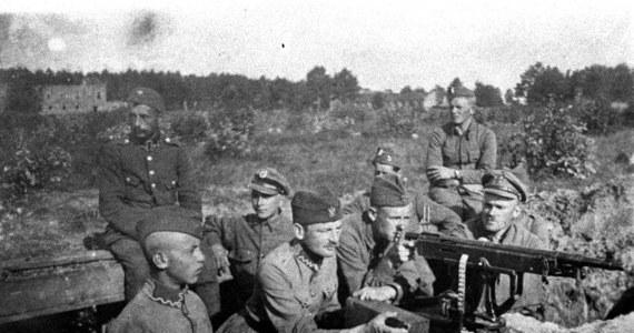 """Decydująca batalia wojny polsko-bolszewickiej rozegrała się na przedpolach Warszawy 13-15 sierpnia 1920 roku. Określana """"cudem nad Wisłą"""" i uznawana za 18. przełomową bitwę w historii świata zadecydowała o niepodległości Polski i uratowała Europę przed bolszewizmem."""
