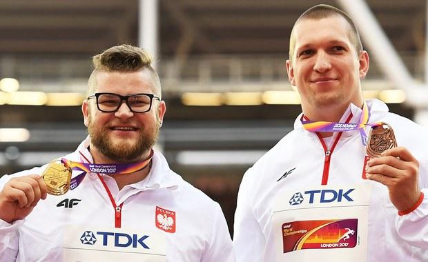 Polska z dorobkiem 86 punktów uplasowała się na 4. miejscu w klasyfikacji punktowej 16. lekkoatletycznych mistrzostw świata zakończonych w niedzielę w Londynie. Pierwsze miejsce przypadło USA - 272 punktów, drugie Kenii - 124 punktów, a trzecie Wielkiej Brytanii - 105 punktów. Biało-czerwoni w Londynie zdobyli osiem medali, co dało Polsce 8. miejsce w tabeli medalowej.