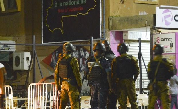 Co najmniej 18 osób zginęło, a osiem zostało rannych, w ataku na restaurację w stolicy Burkina Faso, Wagadugu. Napastnicy to prawdopodobnie dżihadyści - poinformował minister łączności tego kraju Remis Dandjino.