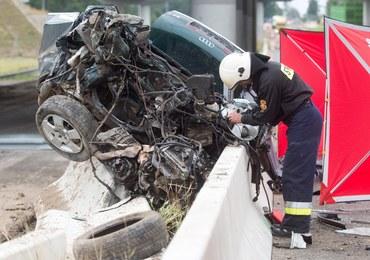 Wypadek na A1. Auto przebiło bariery i spadło z wiaduktu