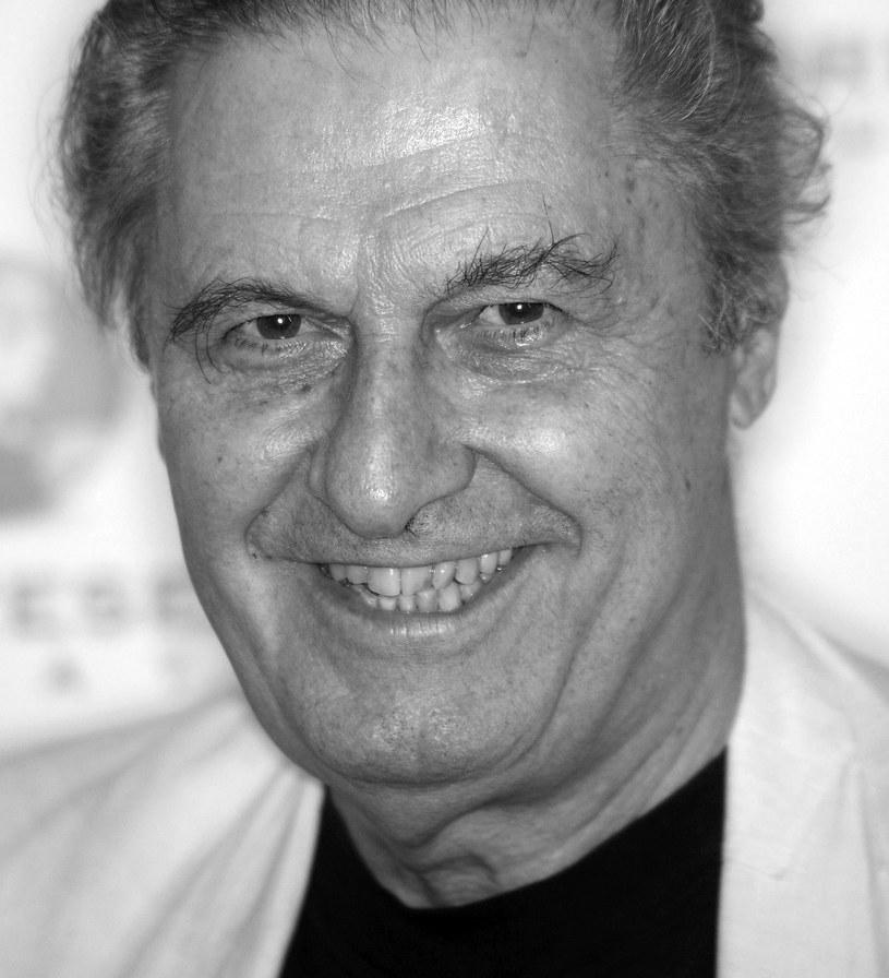 """W szpitalu w kalifornijskim Duarte zmarł w niedzielę amerykański scenarzysta, aktor i reżyser Joseph Bologna. Miał 82 lata. W 1971 r. otrzymał nominację do Oscara za scenariusz filmu """"Zakochani i inni"""", a w 1973 r. zdobył nagrodę Emmy."""