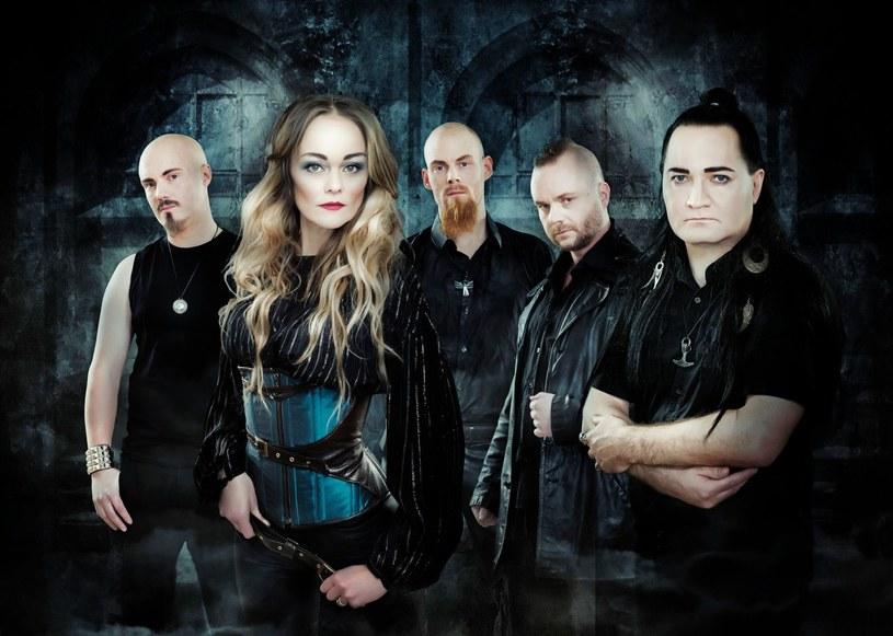 Symfometalowa grupa Amberian Dawn z Helsinek szykuje się do premiery nowego longplaya.