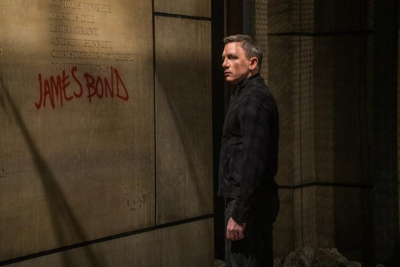 Daniel Craig oficjalnie potwierdził, że powróci do roli Jamesa Bonda, by zagrać superszpiega w jeszcze jednym obrazie.