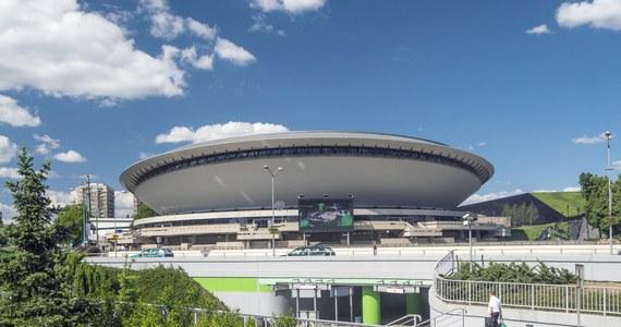 W katowickim Spodku położony już został drewniany podkład, na który w czwartek naklejone zostanie terafleksowe boisko. Od 25 do 31 sierpnia hala będzie jedną z aren mistrzostw Europy siatkarzy.