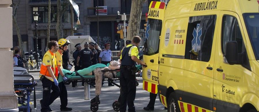 Wśród ofiar śmiertelnych wczorajszego zamachu terrorystycznego w Barcelonie zidentyfikowano obywatelkę Belgii – poinformowało MSZ w Brukseli. Kilku obywateli tego kraju zostało również rannych. Zginęło również dwóch Włochów. Wiadomo też, że w zamachu rannych zostało 26 Francuzów i 13 Niemców. W sumie w ataku zginęło 13 osób, ponad 130 zostało rannych. Poszkodowani są 34 różnych narodowości. W zamachu w Cambrils zginęła natomiast jedna osoba.