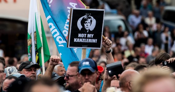 Przeciwnicy kanclerz Niemiec Angeli Merkel zakłócili wczoraj jej wystąpienia w Saksonii i Turyngii na wiecach przed wyborami do Bundestagu. Obrzucili ją wyzwiskami i wygwizdali. Saksonia jest bastionem ruchu Pegida krytykującego politykę migracyjną rządu.