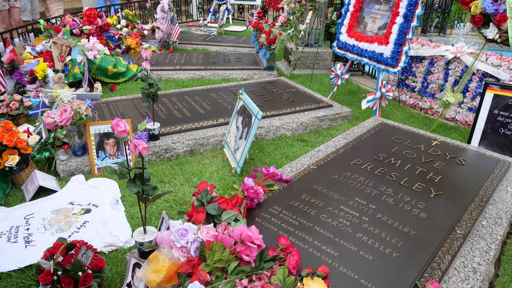 Zdjęcia dzięki uprzejmości Elvis Presley Enterprises, Inc