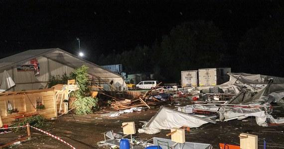 2 osoby nie żyją, a 50 jest rannych w wyniku burzy, która przeszła nad północno-zachodnią Austrią. Nawałnica zerwała namiot, w którym odbywała się impreza na festynie w Sankt Johann am Walde.