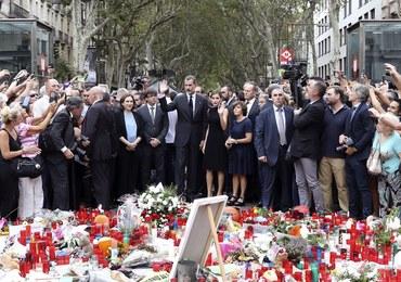 Hiszpania: Para królewska oddała hołd ofiarom zamachu