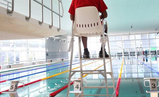 W szpitalu zmarł 24-latek który wczoraj topił się na basenie w Morawicy koło Kielc. Na basenie dyżur pełniło dwóch ratowników.
