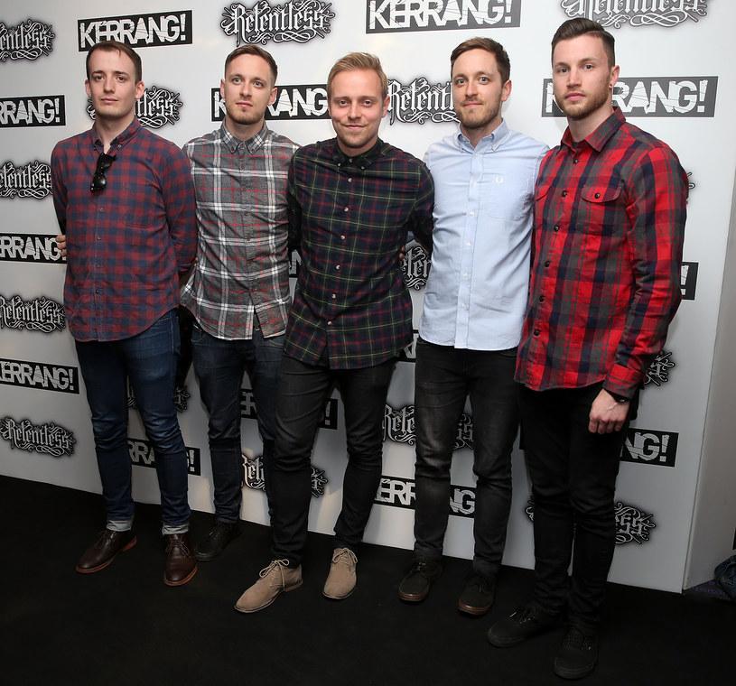 Sam Carter z zespołu Architects nakrzyczał na człowieka, który podczas koncertu obmacywał kobietę.