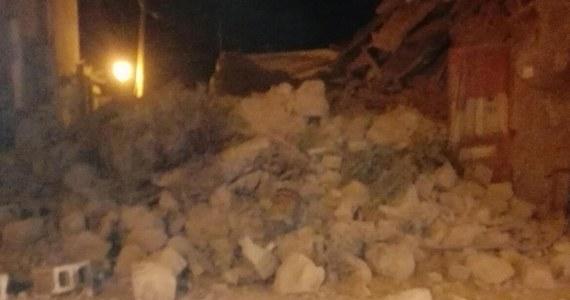 W rezultacie trzęsienia ziemi na włoskiej wyspie Ischia w poniedziałek zawaliły się niektóre budynki mieszkalne, są ofiary, zaginieni i ranni - poinformowały władze.