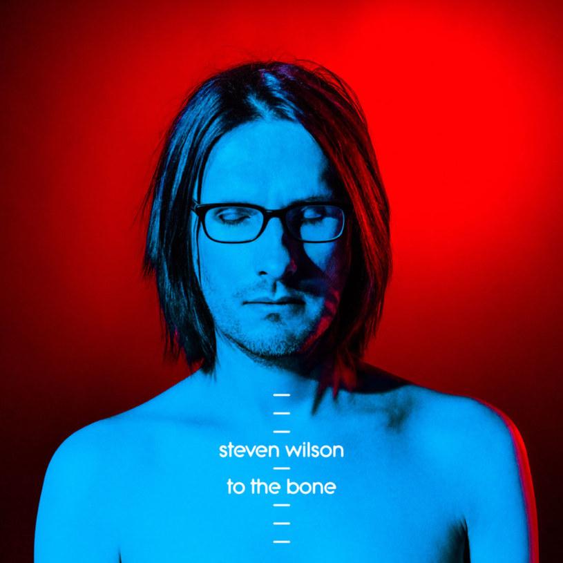 Najbardziej przystępny album w karierze Stevena Wilsona? Jak najbardziej. Różnorodny, choć przy tym mało spójny? Owszem. Słaby? Ależ skąd!