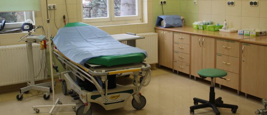 W 2016 roku w szpitalach wykonano 1098 legalnych zabiegów przerwania ciąży, w zdecydowanej w większości w wyniku badań prenatalnych - wynika z danych przekazanych przez ministerstwo zdrowia. Najwięcej aborcji wykonano na Mazowszu, a najmniej na Podkarpaciu.