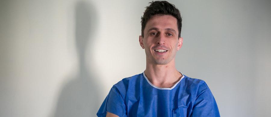 Bóle brzucha i dolegliwości żołądkowe dotykają wielu z nas. Często jest tak, że problemy z żołądkiem mają swój początek w głowie. M. in na pytania o nerwicę żołądka odpowiadał nasz ekspert, dr n. med. chirurg Krzysztof Figuła ze Szpitala im. Żeromskiego w Krakowie.