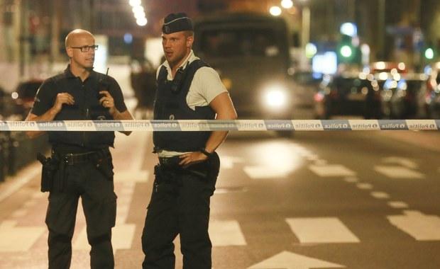 Mężczyzna, który w piątek wieczorem zaatakował nożem trzech żołnierzy w centrum Brukseli i został przez nich zastrzelony, to obywatel Belgii pochodzenia somalijskiego, który dostał w tym kraju najpierw azyl, a następnie obywatelstwo - podały władze.