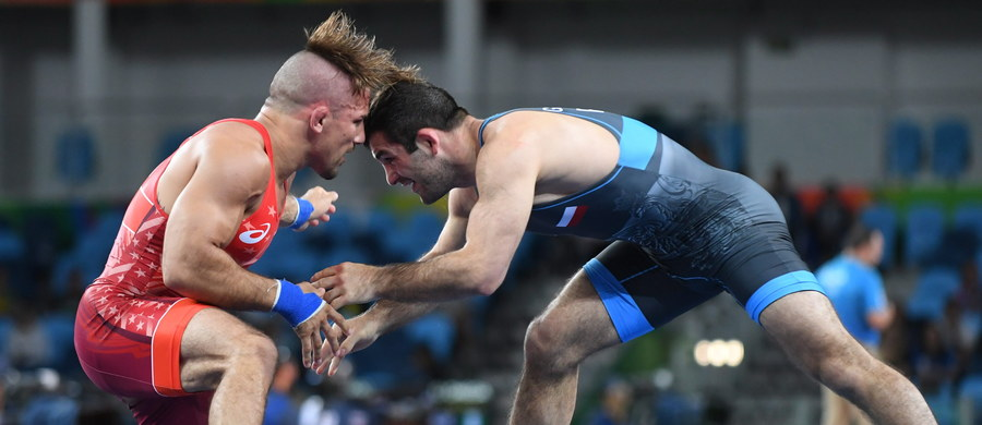 Magomedmurad Gadżijew (AKS Wrestling Team Piotrków Trybunalski) zdobył w Paryżu srebrny medal zapaśniczych mistrzostw świata w stylu wolnym w wadze 65 kg. W finale przegrał z Gruzinem Zurabi Jakobiszwilim 1:3.