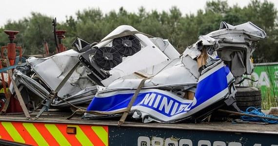 31-letni Polak Ryszard M. otrzymał zarzuty za spowodowanie wypadku na autostradzie M1 niedaleko miasta Newport Pagnell w Anglii. Zginęło w nim osiem osób, a cztery zostały ciężko ranne. Według policji mężczyzna prowadził samochód pod wpływem alkoholu.