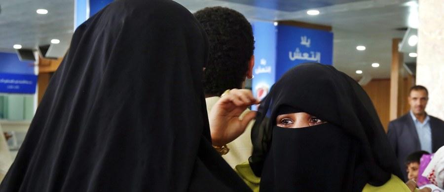 Media alarmują, że w Arabii Saudyjskiej rośnie liczba rozwodów z absurdalnych powodów. Wśród przyczyn są m.in. złe dekorowanie posiłków przez żony.