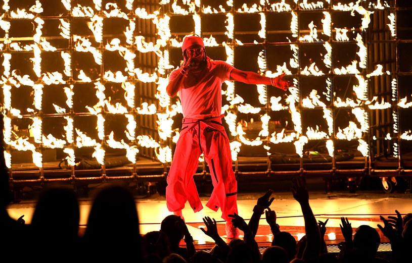 27 sierpnia w Inglewood w Kalifornii odbyła się ceremonia przyznania nagród MTV Video Music Awards. Największym wygranym wieczoru został Kendrick Lamar. Kto oprócz niego opuścił imprezę ze statuetką oraz czyje występy podziwiali widzowie?