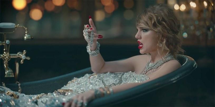 """Podczas tegorocznej gali wręczenia nagród MTV Video Music Awards światową premierę miał najnowszy teledysk Taylor Swift. Utwór """"Look What You Made Me Do"""" jest pierwszym singlem zwiastującym kolejny album amerykańskiej wokalistki."""