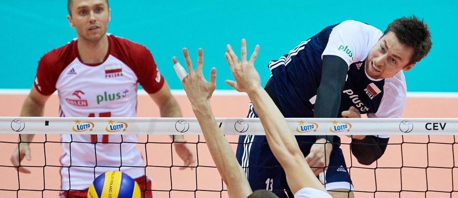 Polscy siatkarze wygrali z reprezentacją Estonii w swoim ostatnim meczu grupowym podczas mistrzostw Europy. Polacy tym samym zapewnili sobie drugą pozycję w grupie A. O tym, czy biało-czerwoni wystąpią w ćwierćfinale zadecydują rozgrywki barażowe.
