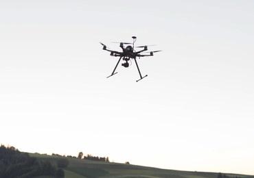 Powietrzna zagadka z okolic Kętrzyna. Rozbił się tam niezidentyfikowany dron