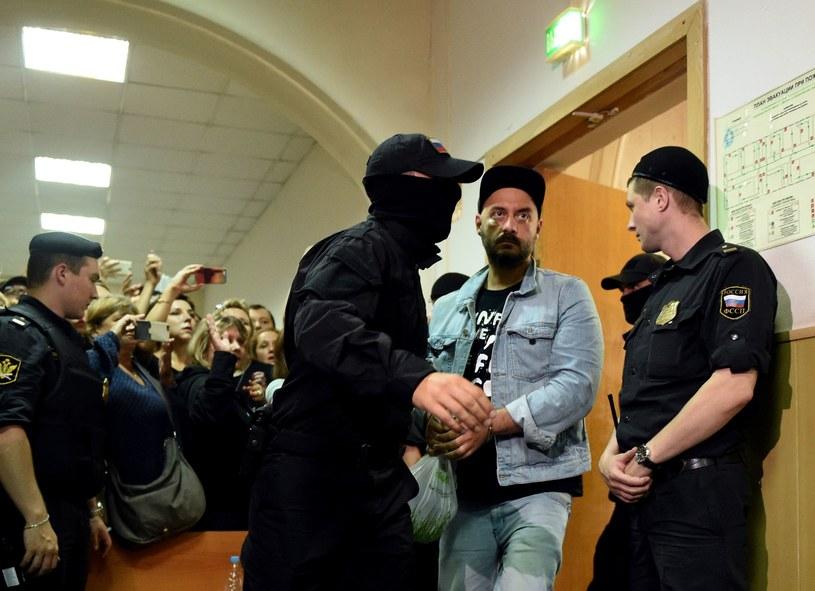 Rosyjska Federalna Służba Bezpieczeństwa (FSB) została zaangażowana w sprawę karną, którą objęty jest znany reżyser filmowy i teatralny Kiriłł Sieriebriennikow - podały we wtorek media rosyjskie. Zarzuty wobec reżysera dotyczą defraudacji środków publicznych.