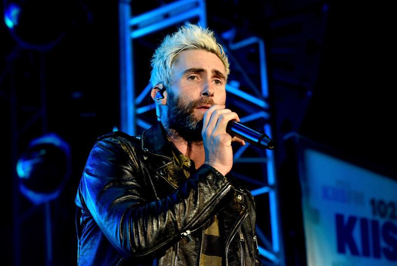 """Adama Levine po obejrzeniu tegorocznej gali MTV VMA nie krył swojego rozczarowania, nazywając ją """"całkowicie beznadziejną""""."""