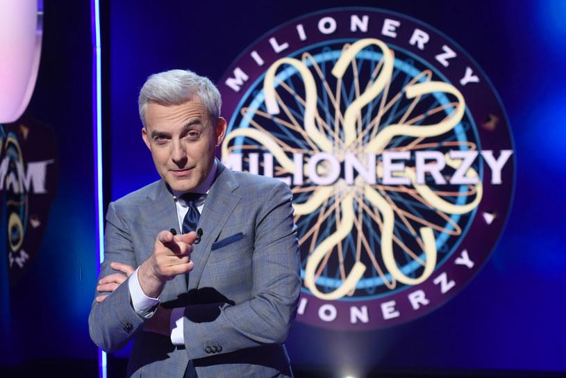 """""""Liczę na to, że znów ktoś wygra milion"""" - mówi Hubert Urbański. Teleturniej """"Milionerzy"""" po wakacyjnej przerwie wraca na antenę TVN."""