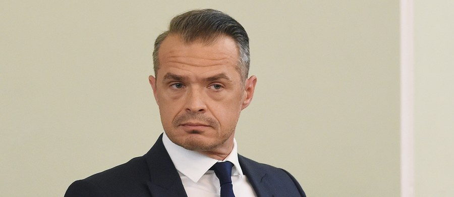 """Były polski minister transportu, a obecnie szef ukraińskiej agencji budowy dróg odpowiada w RMF FM na publikacje, dotyczące tzw. """"zauważenia"""", jakie Narodowa Agencja Ukrainy ds. Zapobiegania Korupcji (NAZK) skierowała do jego firmy. NAZK w swoim raporcie napisała o naruszeniu ustaw, dotyczących """"etycznego zachowania, zapobiegania i regulowania konfliktu interesów i innych norm prawnych"""", nie podała jednak szczegółów. Sławomir Nowak wyjaśnia, że ukraińskie """"zauważenie"""" to rodzaj wytyku czy wskazówki, dotyczącej niewydania w kierowanej przez niego firmie wewnętrznej instrukcji antykorupcyjnej."""