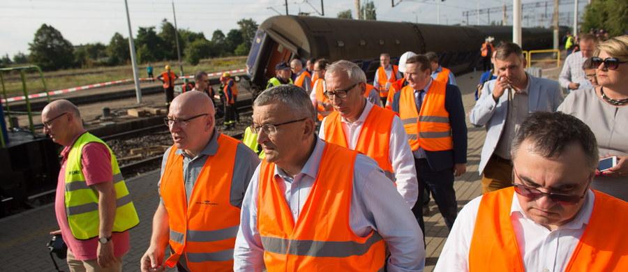 Po wypadku kolejowym w Smętowie Granicznym (Pomorskie) wszystkie procedury zadziałały znakomicie, wszystkie służby wykonały perfekcyjnie to, co do nich należało - ocenił w czwartek minister infrastruktury i budownictwa Andrzej Adamczyk.