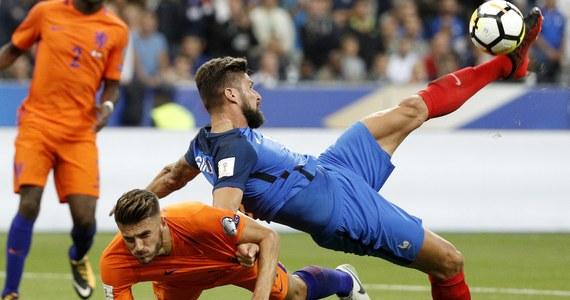 """Francja wygrała u siebie z Holandią 4:0 w najciekawszym czwartkowym meczu eliminacji piłkarskich mistrzostw świata 2018. """"Pomarańczowi"""" grali słabo i mogli przegrać jeszcze wyżej. Prowadząca w grupie E Polska zagra w piątek w Kopenhadze z Danią."""