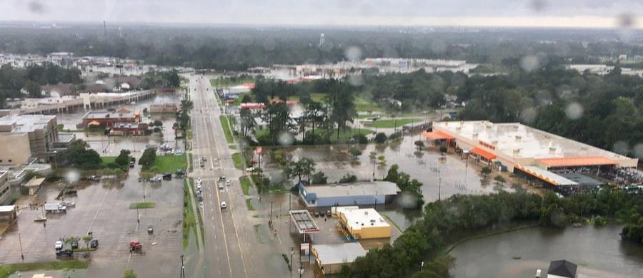 Około 20 polskich rodzin zostało poszkodowanych w czasie huraganu Harvey i wielkiej powodzi w Stanach Zjednoczonych. Ich domy zostały mocno uszkodzone. Polonia organizuję dla nich zbiórkę darów. Pomóc może każdy.