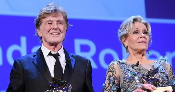 Bardzo długą owacją na stojąco nagrodzono na festiwalu filmowym w Wenecji legendy światowego kina, Jane Fondę i Roberta Redforda, którzy otrzymali nagrody Złotego Lwa za całokształt twórczości.