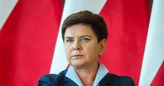 """""""Domagamy się przestrzegania traktatów unijnych i nie akceptujemy dyktatu największych państw. Mamy po swojej stronie silne argumenty"""" - mówi premier Beata Szydło w wywiadzie dla tygodnika """"Sieci""""."""