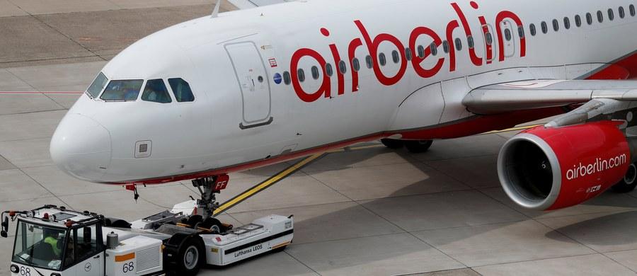 Komisja Europejska zatwierdziła kredyt w wysokości 150 mln euro, jaki niemiecki rząd przyznał będącym w upadłości liniom lotniczym Air Berlin dla zapewnienia kontynuowania połączeń. Przewoźnik złożył wniosek o stwierdzenie upadłości 15 sierpnia.