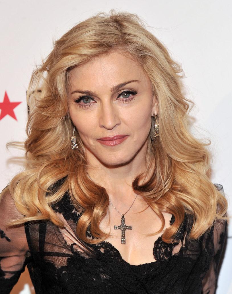 Madonna, która przeprowadziła się do Portugalii, miała kłopot, by przekonać firmę kurierską, że... naprawdę jest Madonną.