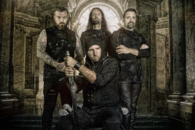 Symfoniczni powermetalowcy z austriackiej formacji Serenity ujawnili pierwsze szczegóły nowego albumu.