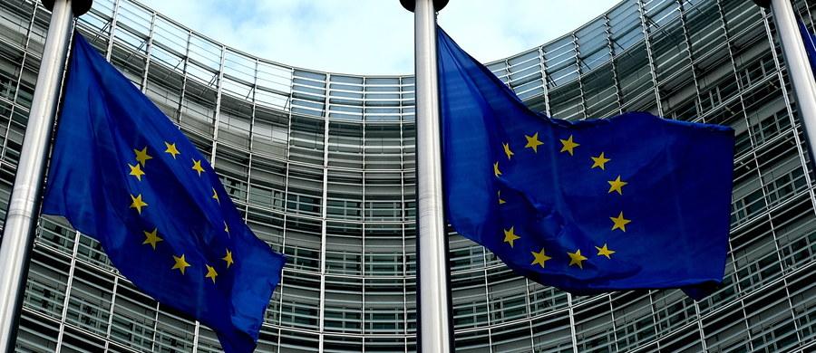 Komisja prawna Zgromadzenia Parlamentarnego Rady Europy przyjęła w Paryżu raport o zagrożeniach dla rządów prawa w Polsce, a także w Bułgarii, Rumunii, Mołdawii i Turcji. Wskazuje w nim też na zagrożenia dla niezawisłości sądów i trójpodziału władzy.