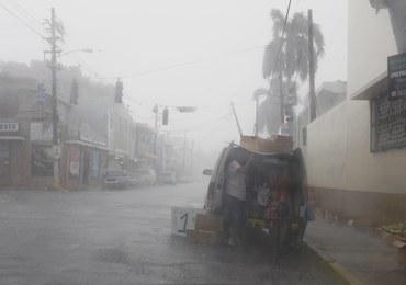 """Irma uderzyła w Karaiby, to najsilniejszy w historii huragan nad Atlantykiem. """"Uciekajcie szybko"""""""