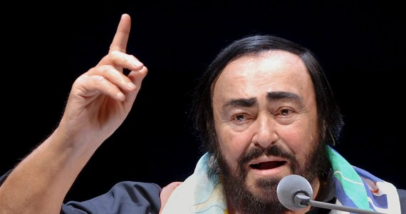 Setki osób oddały hołd światowej sławy tenorowi Luciano Pavarottiemu w jego domu-muzeum koło Modeny w 10. rocznicę śmierci artysty. Główne obchody rocznicy zorganizowano w Weronie.