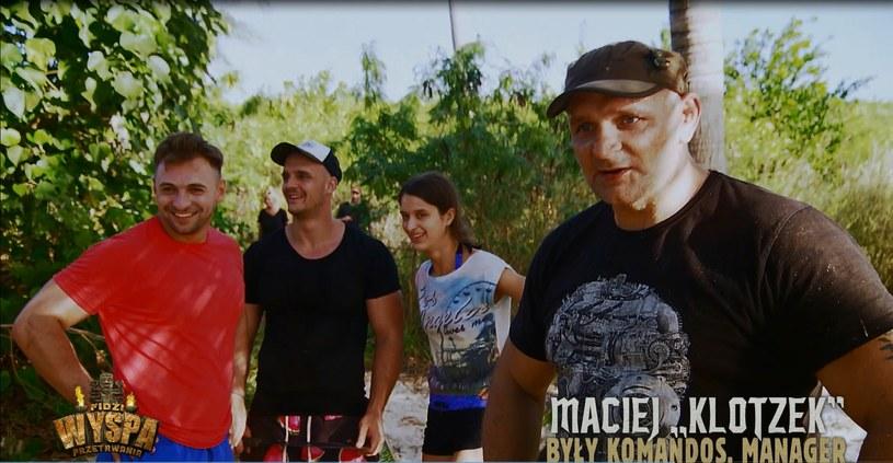 """W piątek, 8 września, będzie można zobaczyć pierwszą odsłonę przygodowego reality-show zatytułowanego """"Wyspa przetrwania"""". 16 uczestników na jednej z bezludnych wysp archipelagu Fidżi, będzie musiało przetrwać jak najdłużej, organizując sobie życie. Od zdobycia jedzenia i zapewnienia dachu nad głową aż po uczestnictwo w wycieńczających konkurencjach."""