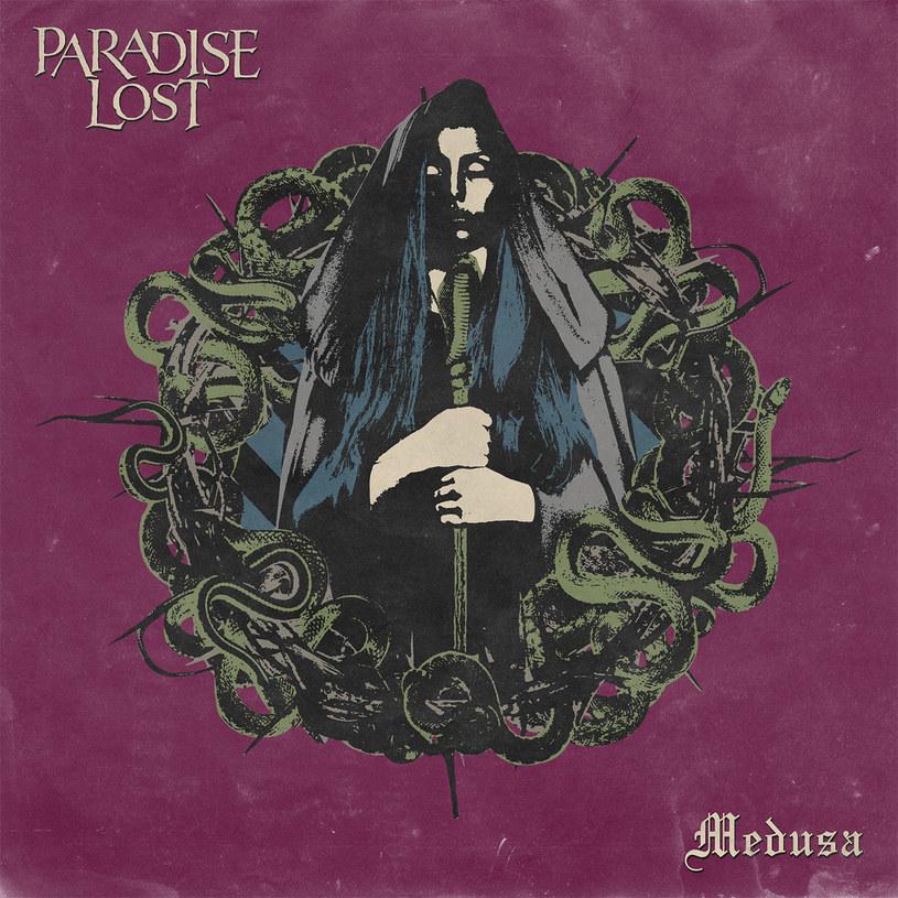 """Paradise Lost od dawna szykowali się do nagrania takiego albumu. Po blisko 30 latach kariery, 14 studyjnych albumach i co najmniej kilku stylistycznych woltach, jedna z najpopularniejszych brytyjskich grup metalowych powraca na albumie """"Medusa"""" do zamierzchłej przeszłości. Czy wyszło im to na dobre?"""