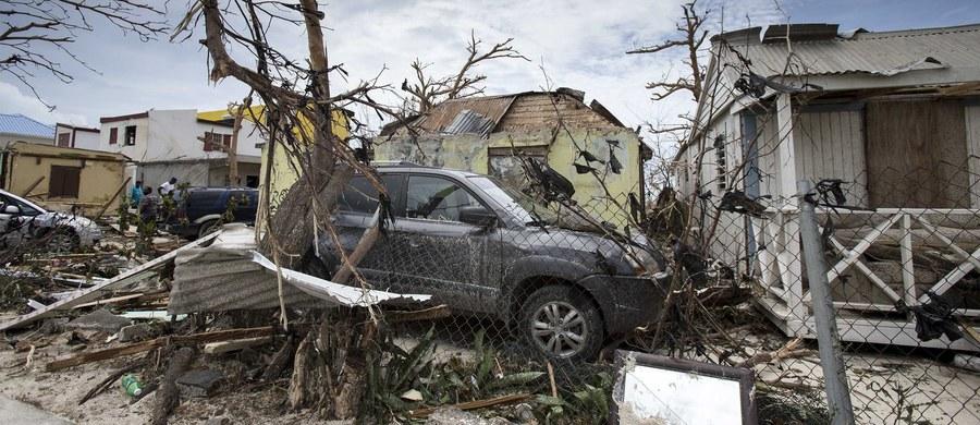 Na Sint Maarten - holenderskiej części wyspy Saint-Martin w archipelagu Małych Antyli - w wyniku przejścia huraganu Irma zginęły co najmniej cztery osoby - poinformował premier Holandii Mark Rutte. Sint Maarten jest terytorium autonomicznym Holandii.