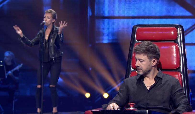 """Jedną z najbardziej doświadczonych uczestniczek rozpoczętej 2 września edycji """"The Voice of Poland"""" był Anna Cyzon. Sporym zaskoczeniem był jednak fakt, że wokalistka została odrzucona przez trenerów i błyskawicznie pożegnała się z programem TVP2."""