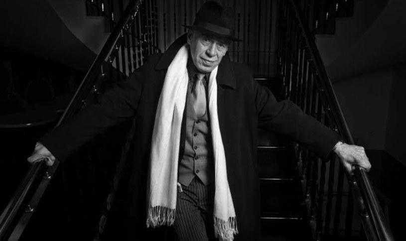 """W wieku niespełna 69 lat zmarł aktor Teatru Nowego w Poznaniu Tadeusz Drzewiecki. Artysta znany był z udziału w takich produkcjach, jak """"Hiszpanka"""", """"Różyczka"""" czy """"Pierwsza miłość""""."""