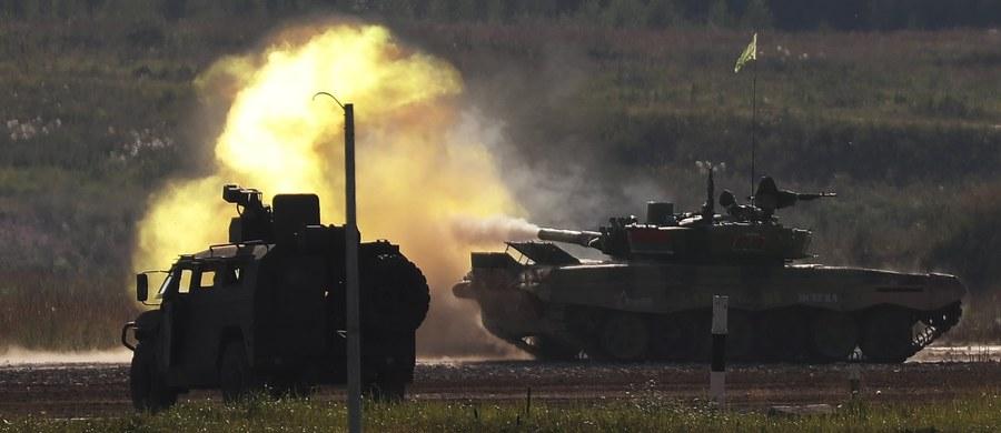Na Białorusi, podczas ćwiczenia Zapad'17, przebywać będzie dwóch polskich obserwatorów. Przedstawiciele Sił Zbrojnych RP będą tam w dniach 16-20 września - poinformował płk Piotr Szymańczyk z Departamentu Polityki Bezpieczeństwa Międzynarodowego MON.
